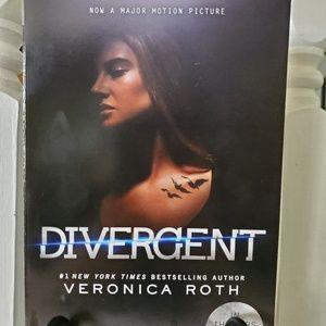 New Divergent Book